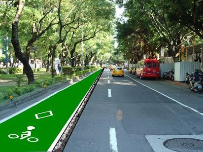 圖9-7中央安全島旁自行車道