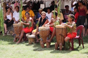 Les 'pahu' (tambours)