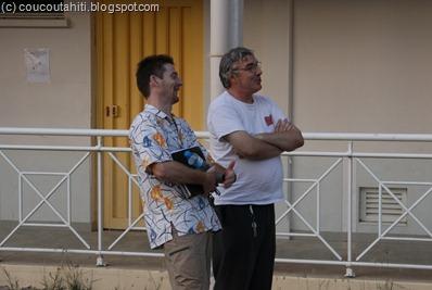 Pierre (à droite sur la photo) au côté d'Olivier l'ancien Principal du Collège (photo juin 2010).