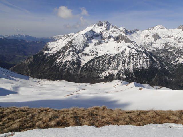 valle de estós y tucas de ixeia - eristes - agujas de perramó