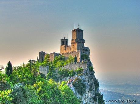 أجمل 42 قلعة حول العالم  Guaita_castle%5B8%5D