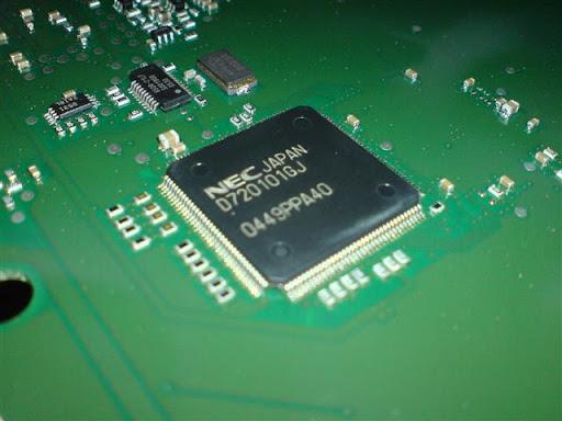 Fotos internas del GIGASET m750 t (conocer los chips) DSC02005%20%28Small%29