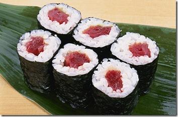 tuna_sushi_rolls-rice-seaweed