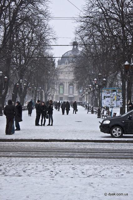 Зимовий Львів на весні