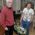 Farfar og faster Mette gynger Silje
