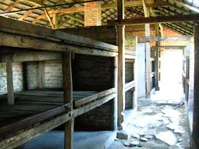 156 - Auschwitz II - Birkenau, barracón de piedra.JPG