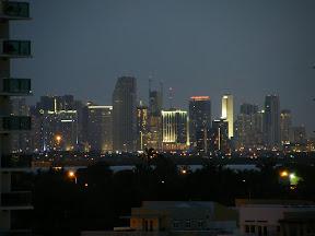 061 - Downtown de noche.JPG