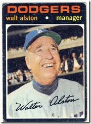 Topps 71 Walt Alston
