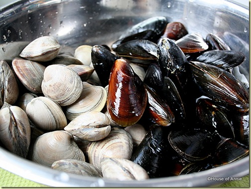 Clams and Mussels for Cioppino