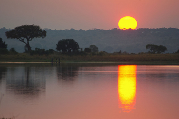 Sunrise on the Chobe River channel (c) bjmccray via Flickr