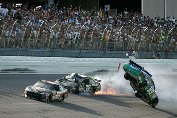 races NASCAR