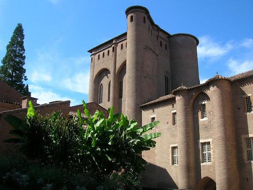 Palais de la Berbie vu de la cour...
