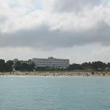 Blick vom Meer auf die vielleicht schönste Bucht von Formentera