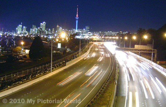 Auckland-City-Skyline-at-Night