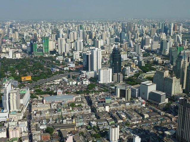 uitzicht vanaf baiyoke sky tower3.jpg