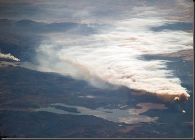 Fotografia de incêndi no Parque Nacional de Yellowstone tirada em 24/09/2009 pela ISS (Foto: NASA/ISS/Modis-Aqua)
