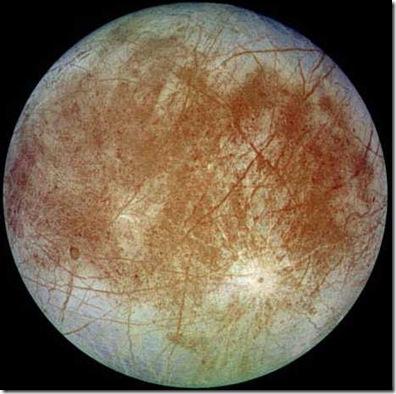 Europa, fotografada pela sonda Galileu (Foto: NASA)