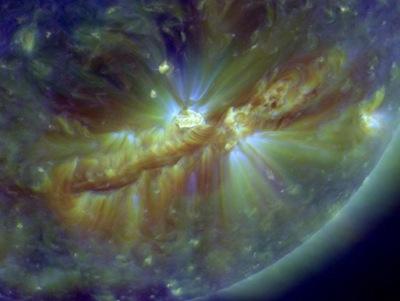 Supermancha solar 1112 em imagem do SDO (Foto: NASA)