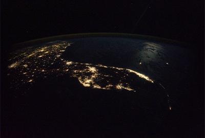 Florida à noite, fotografada da ISS (Foto: Douglas Wheelock)