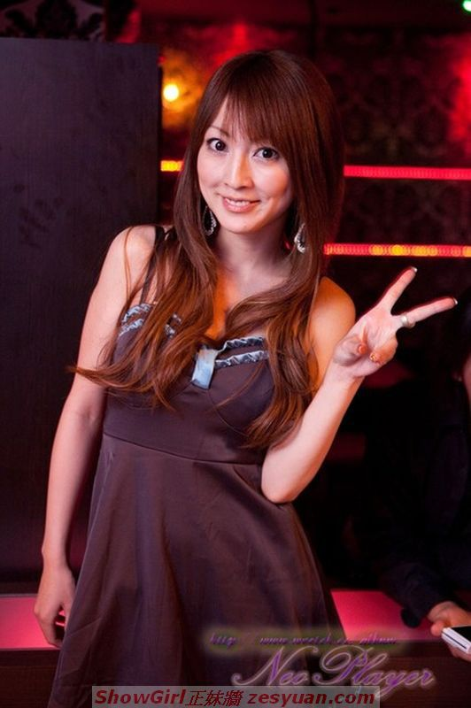 2010-12-06 卡提諾每日 Hot Girl 勁報【超吸睛:夜店辣妹】