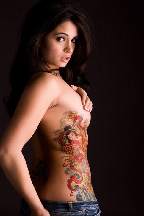 women_with_tattoos