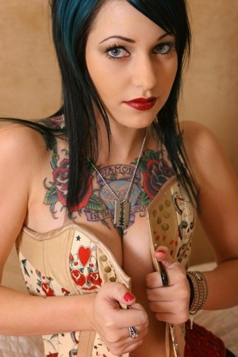 beautiful tattooed women 2