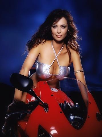 [hot bikes cars and women9[4].jpg]