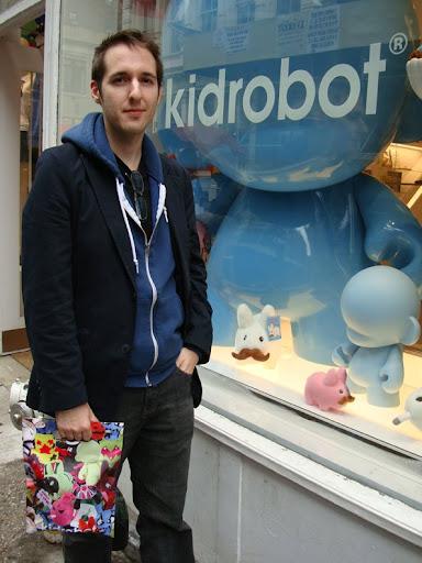 kidrobot, kid robot store