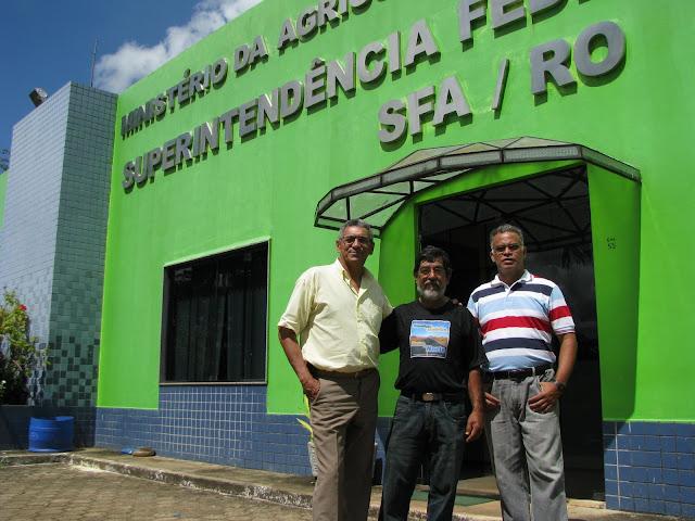 Velhos amigos do Maeda. Da esquerda para direita: Dr. Janu�rio, Maeda e Trajano. Pessoas de alto gabarito