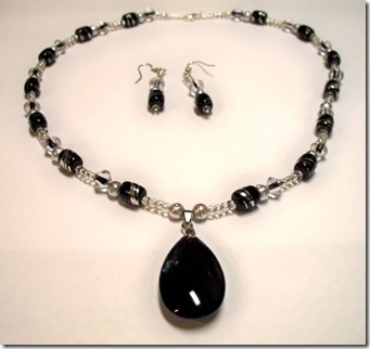 Necklace Black1