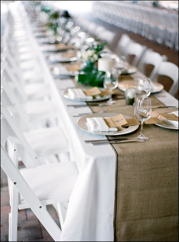 burlap-table-runner-diy_Photo by Carrie Patterson