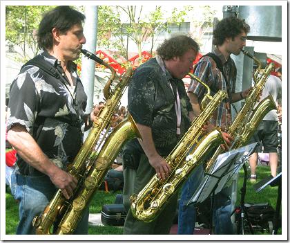 Folklife 2009: saxophone trio