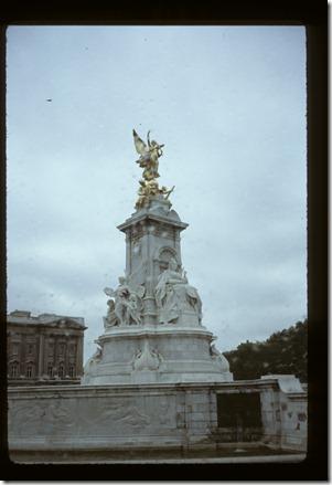 81-London-Paris-Rome225