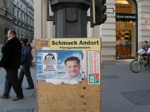 Budapest,  Andrássy út, koncert, zenés korzó, VI. kerület, választási plakátok