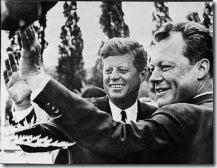 0626 visite au mur de Berlin de John Kennedy