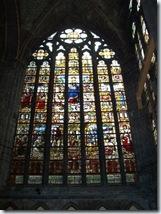 2010.08.08-024 vitraux dans la cathédrale
