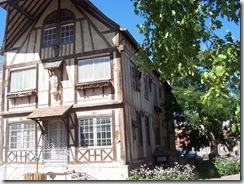 2010.08.20-021 maisons à pans de bois