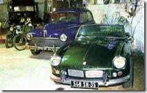 56.03 Triumph Spitfire MK3 et Peugeot 203