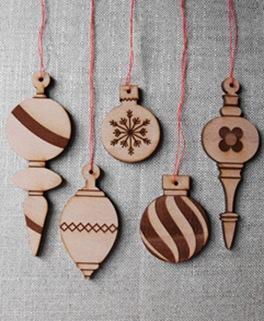ornaments_comp_tn