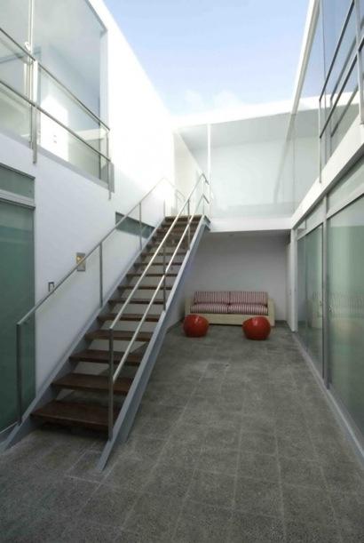 Escada47