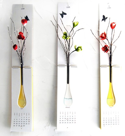 Calendar with vase-NOTHING DESIGN