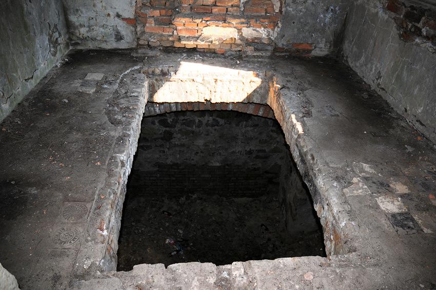 склеп у піраміді Закревських