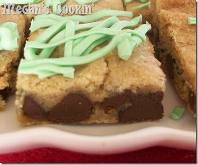 Mint Chocolate Chip Cookie Bar