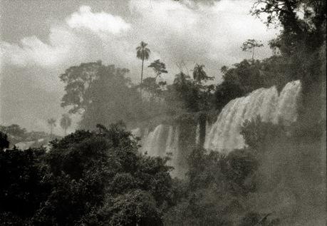 369 Iguazú