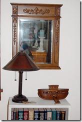 mirrorandbookshelf