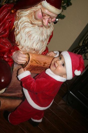 Quinn's_First_Christmas_156