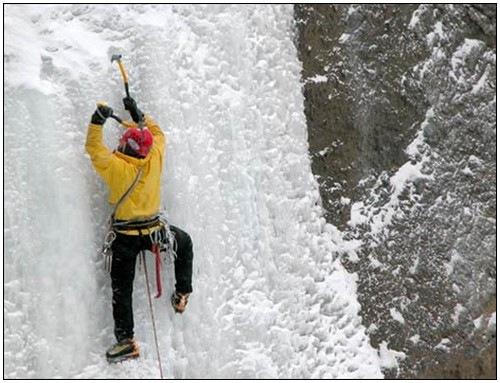 Ice-Climbing-2