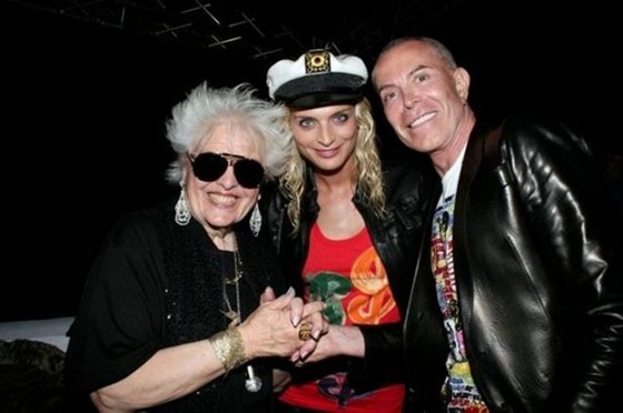 Ruth Flowers - The Oldest Dj in the World 09