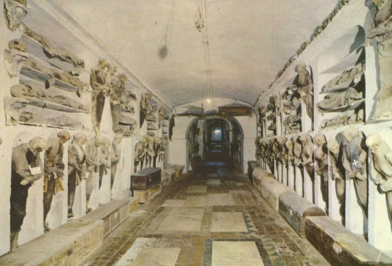 world's bizarre catacombs 36