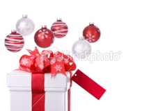 ist2_7103249-gift-and-baubles-xxl